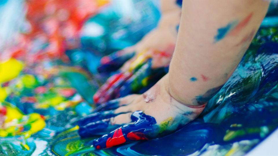 Penting untuk menyalurkan bakat melukis anak
